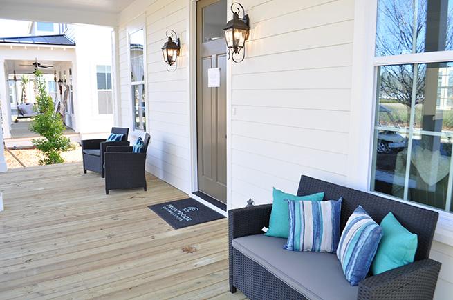 113-canopy-porch-web